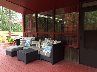 Cozy Cottage with Deck and Internet Access - Wellfleet vacation rentals