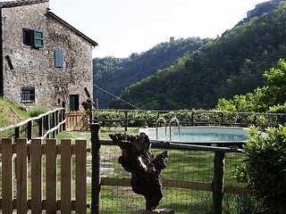Lovely 4 bedroom Farmhouse Barn in Aramo - Aramo vacation rentals