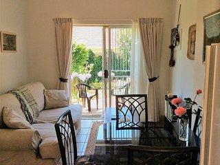 Sunny 1 bedroom Pretoria Cottage with Internet Access - Pretoria vacation rentals