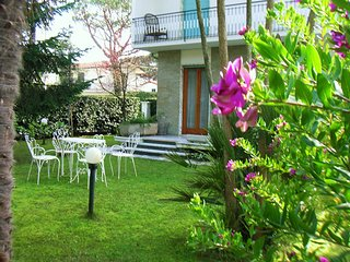 Nice House with Internet Access and A/C - Forte Dei Marmi vacation rentals