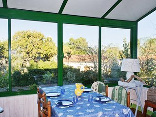 Family-friendly house in a coastal resort on the Medoc peninsula, near Atlantic Ocean beaches & golf - Le Verdon Sur Mer vacation rentals