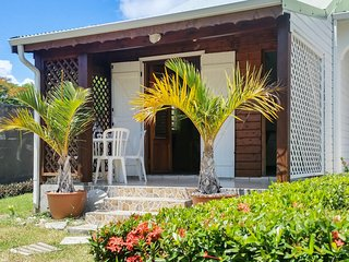 Charming, island-style house in Saint François, Guadeloupe, with colourful garden and WIFI - Saint-François vacation rentals