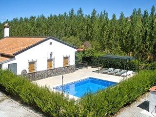 Casa Fuente de Aragones – a spacious, 4-bedroom house with a swimming pool and mountain views! - Alhama de Granada vacation rentals
