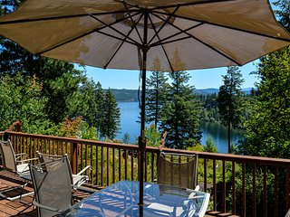 Beautiful House with Deck and Internet Access - Harrison vacation rentals