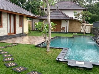 Landus Villa -  Breakfast,  AC, Wifi, Pool, Yoga, Maid, Nite Security - Petulu vacation rentals