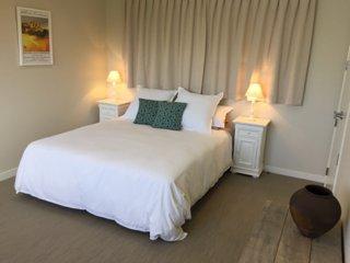 Beautiful Papamoa vacation House with Deck - Papamoa vacation rentals