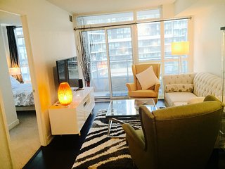 Prime Location 2BD/2WR Luxury Downtown Condo - Toronto vacation rentals
