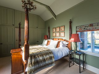 B&B at The Grange.  The Finch Room - Frampton on Severn vacation rentals
