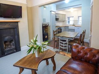 25 ST JOHN'S STREET beautifully decorated, en-suite, woodburning stove - Wirksworth vacation rentals