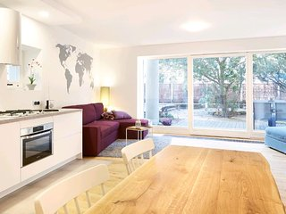Lovely LUX Garden Flat near Royal Park - Warsaw vacation rentals