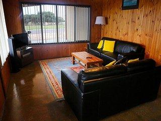 Beautiful 3 bedroom Cottage in Ceduna - Ceduna vacation rentals
