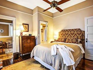 EREHWON RETREAT Bungalow 2 bedroom - Tampa vacation rentals