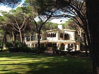 Villa La Perla Marina by the beach, 4BR, 3BA, AIRCO - Santa Margherita di Pula vacation rentals