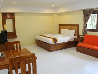 Bo Phut Service Apartment with Kitchen - Surat Thani vacation rentals