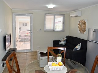 Royal Palm Resort. Lovely one bedroom apartment. In upscale Piscadera Bay. - Willemstad vacation rentals