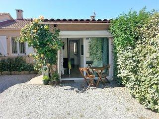 Charmant petit studio, en rez-de-jardin, près de la mer, d'Ajaccio et Porticcio - Sarrola-Carcopino vacation rentals