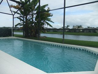 Luxury 4 Bed Villa, Lake View, private pool, close to Disney (4) - Kissimmee vacation rentals