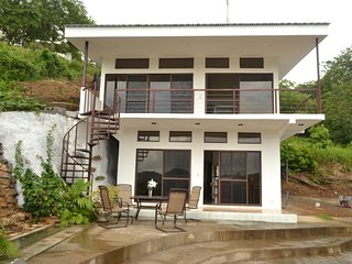 Luxurious 2nd floor Condo In SJDS 5 min walk to beach - San Juan del Sur vacation rentals