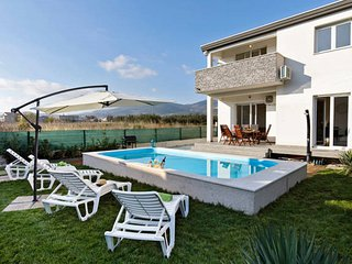 4 bedroom Villa with Internet Access in Kastel Stari - Kastel Stari vacation rentals
