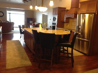 2 bedroom Condo with Internet Access in Geneva on the Lake - Geneva on the Lake vacation rentals