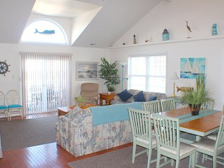 Huge 5BR/3BA Townhouse - 1 Blk to Boardwalk/Beach - Wildwood vacation rentals