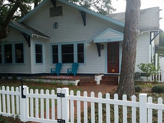 Charming House with Internet Access and A/C - Clearwater vacation rentals