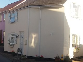 Lovely Cottage with Internet Access and Central Heating - Milford on Sea vacation rentals