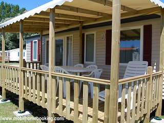 Nice Caravan/mobile home with Children's Pool and Shared Outdoor Pool - La Palmyre-Les Mathes vacation rentals