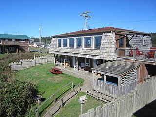 Nice House with Deck and Internet Access - Moclips vacation rentals