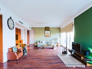 Luxury Furnished in Greens With Golf Course View - Dubai vacation rentals