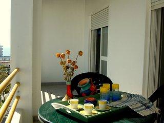 King Apartment - center of Quarteira close to the beach - Quarteira vacation rentals