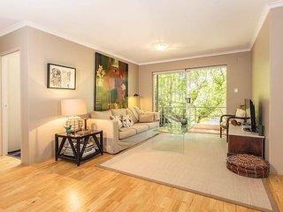 Relaxing garden Apartment in Perfect location - Kensington vacation rentals