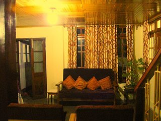 Romantic 1 bedroom Darjeeling Guest house with Internet Access - Darjeeling vacation rentals