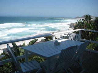 Unsurpassed sea views, walking distance to beach, excellent kite surfing - Scarborough vacation rentals