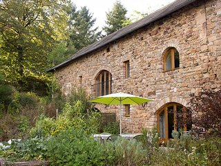 La Singlarie II - Terrific gite on an organic farm - Najac vacation rentals