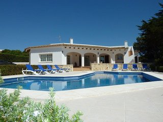 Spacious 5 bedroom Villa in Binibeca with A/C - Binibeca vacation rentals