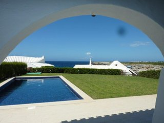 Perfect 4 bedroom Villa in Binibeca with Shared Outdoor Pool - Binibeca vacation rentals