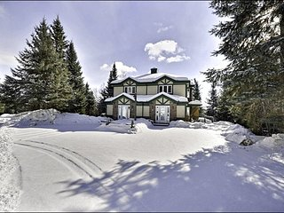 Spacious Private Balcony with Summer BBQ - Community Outdoor Summer Pool (6019) - Mont Tremblant vacation rentals