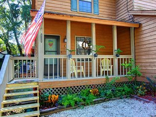 Fantastic Tybee Beach rental just minutes from beach! Newly Renovated!! - Tybee Island vacation rentals