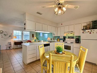 Adorable 2 Bedroom, 1 1/2 Bath Townhouse Downtown Tybee, Steps to Pier!! - Tybee Island vacation rentals