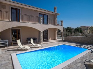 100101 Modern villa with pool - Linardici vacation rentals