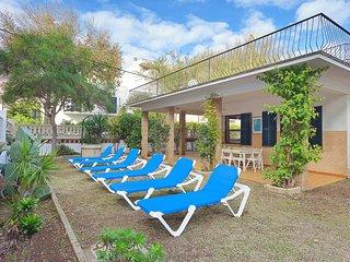 Spacious 5 bedroom Villa in Can Pastilla - Can Pastilla vacation rentals