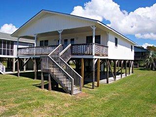 Nice 4 bedroom House in Oak Island with Deck - Oak Island vacation rentals
