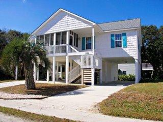 3 bedroom House with Deck in Oak Island - Oak Island vacation rentals