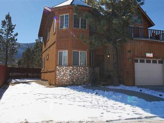 3 bedroom House with Deck in Big Bear City - Big Bear City vacation rentals