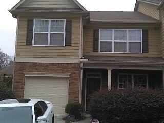 Comfortable 2 bedroom House in College Park - College Park vacation rentals