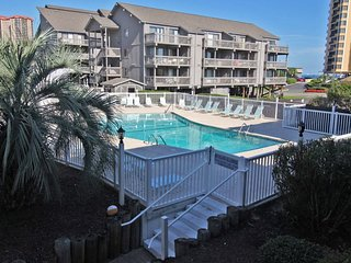 Great 2 Bed 2 Bath Across the street from Beach. D-105 - Arcadian Shores vacation rentals