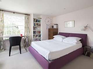 onefinestay - Lloyd Square private home - London vacation rentals