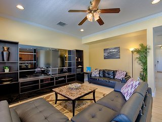 Sunny 6 bedroom House in ChampionsGate - ChampionsGate vacation rentals