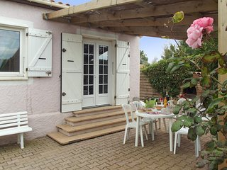 Villa facing the sea in Frontignan with 3 bedrooms, garden  terrace (and visit of Sète's canals by boat) - Frontignan vacation rentals